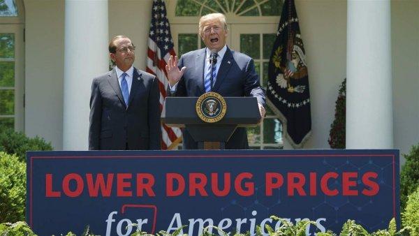 Các công ty dược phẩm thách thức lệnh giảm giá thuốc của Tổng thống Trump