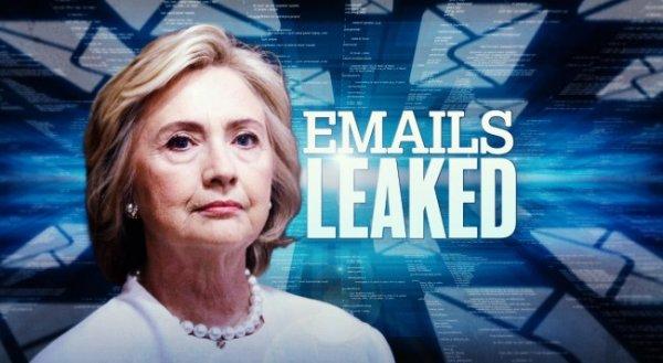 Tổng thống Trump cáo buộc Trung Quốc hack email mật của bà Clinton