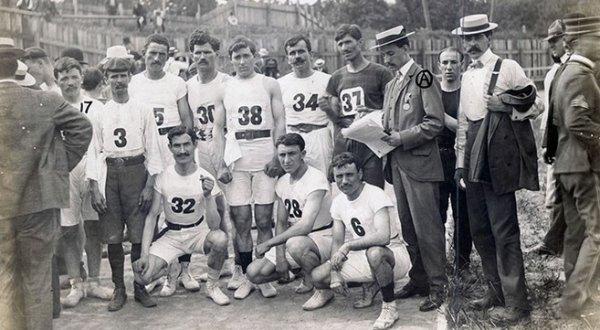 Olympic 1904: Chặng đường Marathon tử thần, 1/2 số VĐV bỏ cuộc, người cận kề cái chết