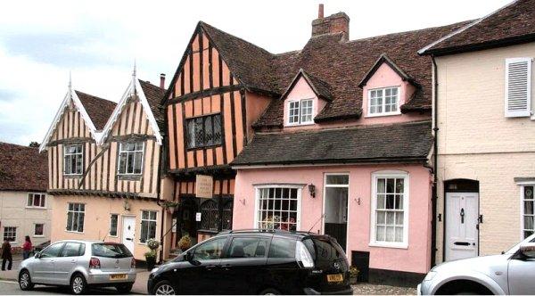 Lavenham: Thị trấn xinh đẹp của những ngôi nhà uốn cong