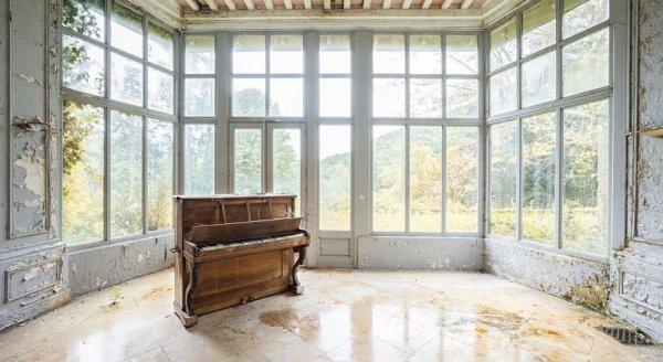 Nhiếp ảnh gia đi khắp Châu Âu để tìm những chiếc Piano bị lãng quên