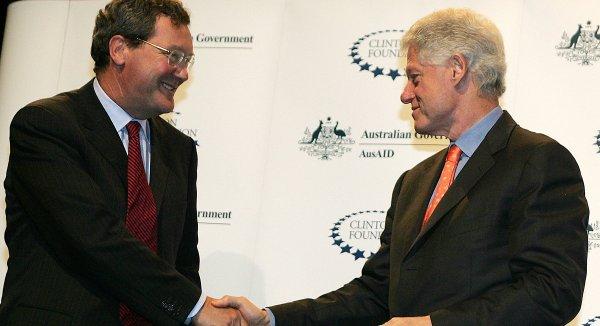Nhà ngoại giao Australia thúc đẩy FBI điều tra Trump – Nga có quan hệ với nhà Clinton