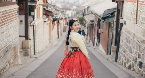 Vẻ đẹp của Hanbok được ghi dấu theo chiều dài lịch sử của Hàn Quốc