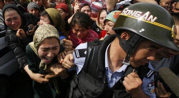 Mỹ xem xét chế tài Trung Quốc vì nhân quyền