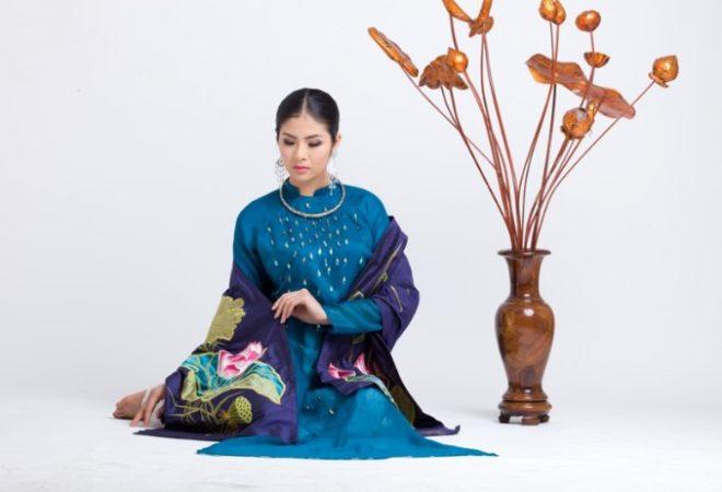 Áo dài Việt thể hiện vẻ đẹp Văn Hóa thế giới.1