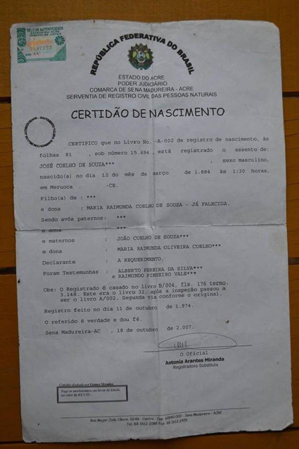 Tờ giấy khai sinh của ông Souza cho thấy ông sinh vào ngày 10/03/1884.