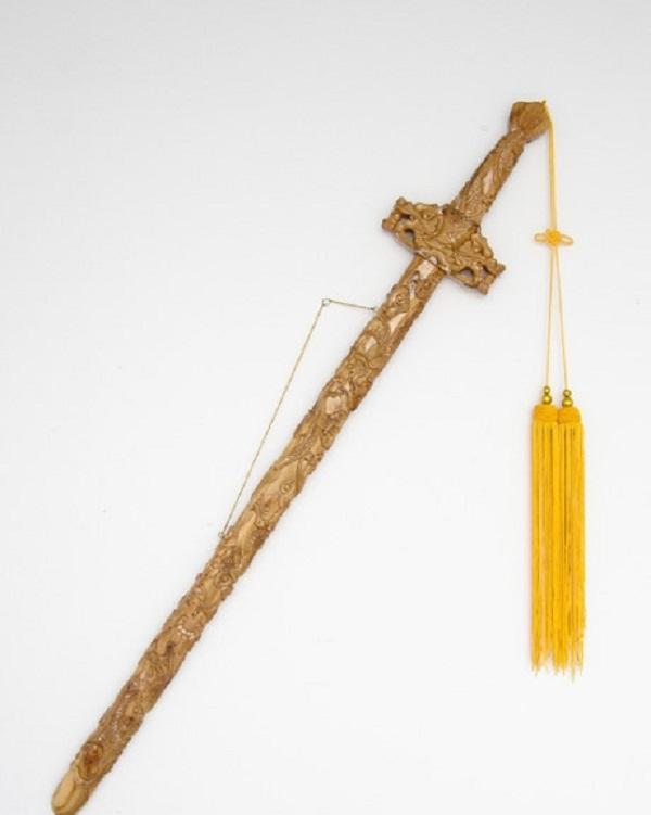 Phiên bản phục chế của Cửu Long bảo kiếm. (Ảnh: Baike).