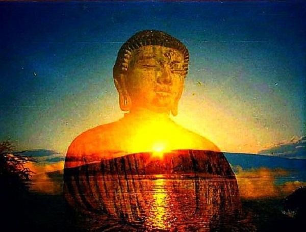 Người lương thiện trên đầu có linh khí, sẽ được Thần linh bảo hộ khỏi tai ương. (Ảnh: Internet)
