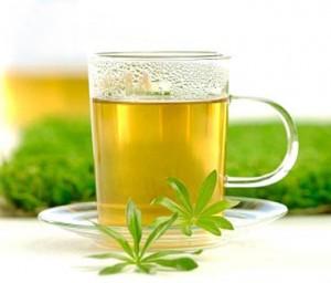 Cốc trà xanh mang nặng tình người...