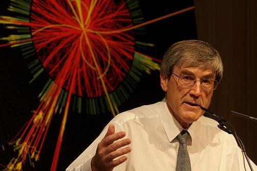 Nhà vật lý học người Anh, giáo sư Paul Davies. (Ảnh: Internet)