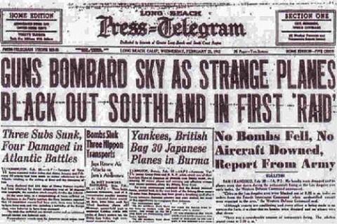 Trận không chiến Los Angeles được đưa tin rộng rãi trên các mặt báo. (Ảnh: Internet)