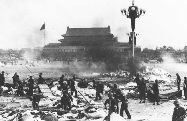 Hiện trường vụ thảm án tại Quảng trường Thiên An Môn năm 1989. (Ảnh: Internet)