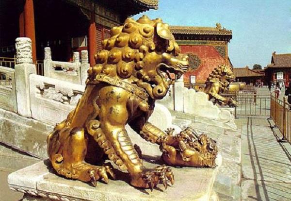 Tượng sư tử thường được đặt trước phủ quan lại để trừ tà. (Ảnh: Internet)