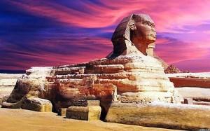 Tượng nhân sư lớn ở Giza là một trong những điểm du lịch nổi tiếng, thu hút du khách ở Ai Cập. (Ảnh: Wiki.)