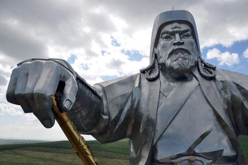 Tượng Thành Cát Tư Hãn ở Ulan Bator, thủ đô Mông Cổ. Ảnh: EPA.