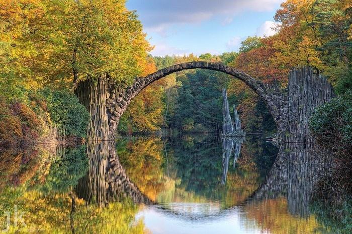"""Cầu Rakotz – cây cầu chỉ để """"làm cảnh"""" ở Đức - Ảnh: tnnegypt"""