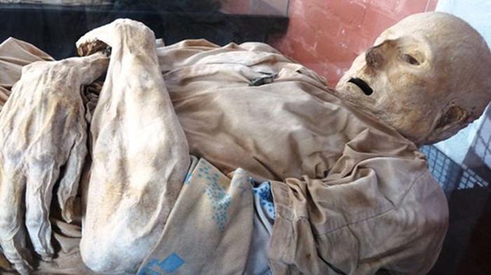 Các xác chết tự khô và hóa đá sau một thời gian. (Ảnh:Folha de Maputo)