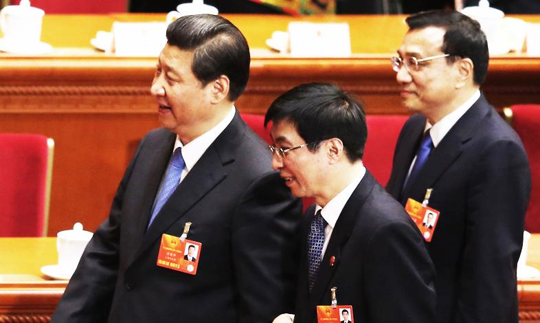 Vương Hộ Ninh (giữa) hiện đang là cánh tay đắc lực của ông Tập Cận Bình. (Ảnh: Chuansong)