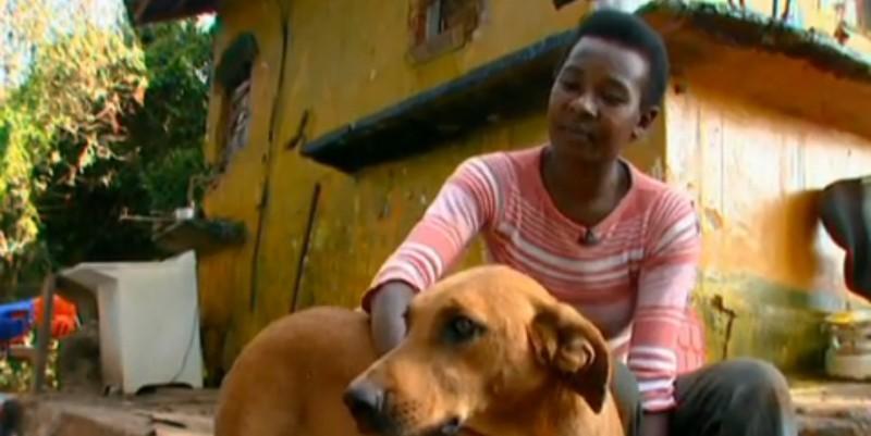 Lilica sống cùng cô chủ Neile trong một xóm nghèo ở Sao Carlos, Brazil (Ảnh: Youtube)