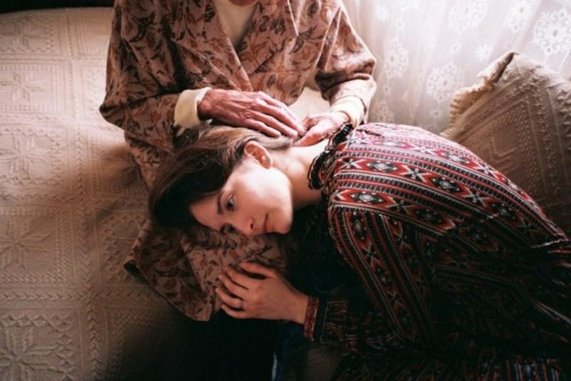 Phụng dưỡng cha mẹ là hiếu đạo của phận làm con. (Ảnh: Flickr)