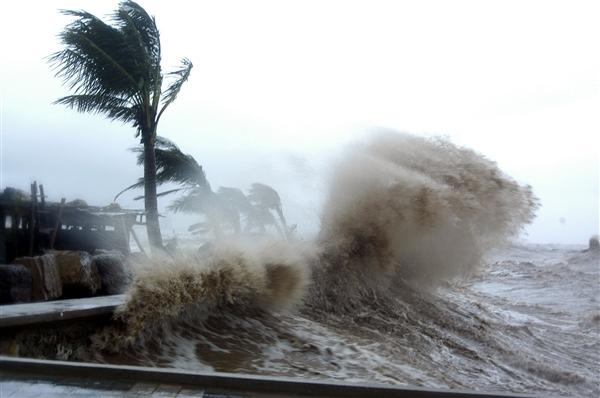 Hình ảnh thường thấy khi cơn bão đổ bộ