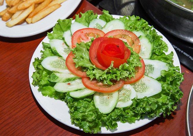 Tuyệt đối không ăn cà chua cùng với dưa chuột, khoai lang, khoai tây...