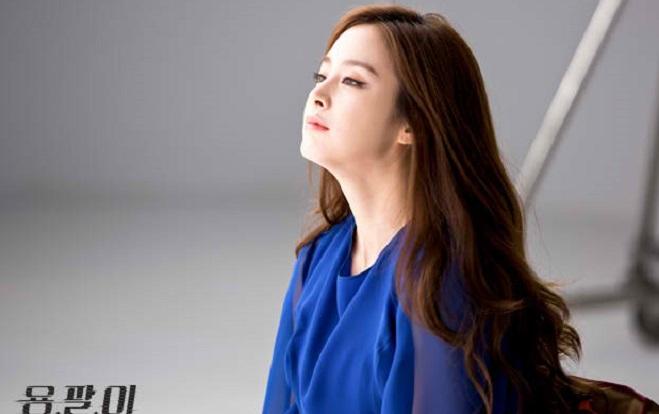 1465181928-kim-tae-hee--1-