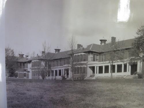 Bí ẩn lịch sử, bệnh viện tâm thần thế kỉ 19