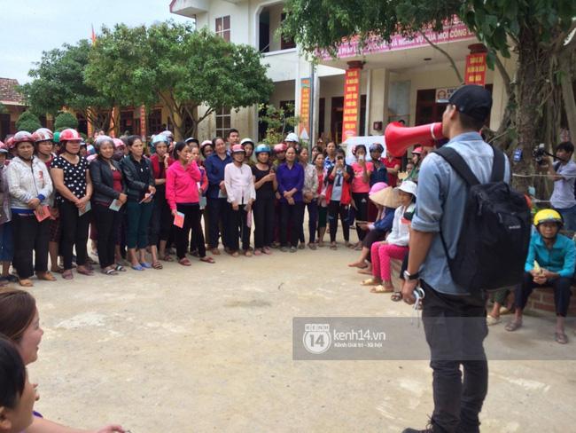 Phan Anh đã có mặt tại vùng lũ Quàng Bình.