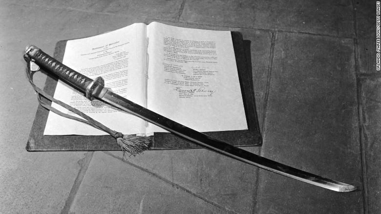 150713140310-samurai-sword-surrender-exlarge-169