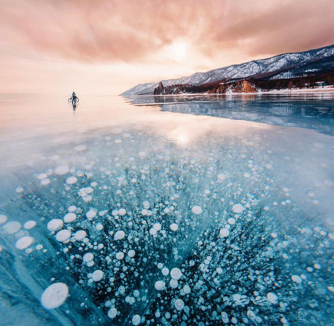 Ngắm nhìn hồ băng đẹp như cổ tích ở miền nam nước Nga.4