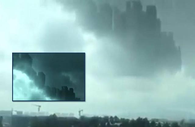 Thành phố khổng lồ xuất hiện trên đám mây