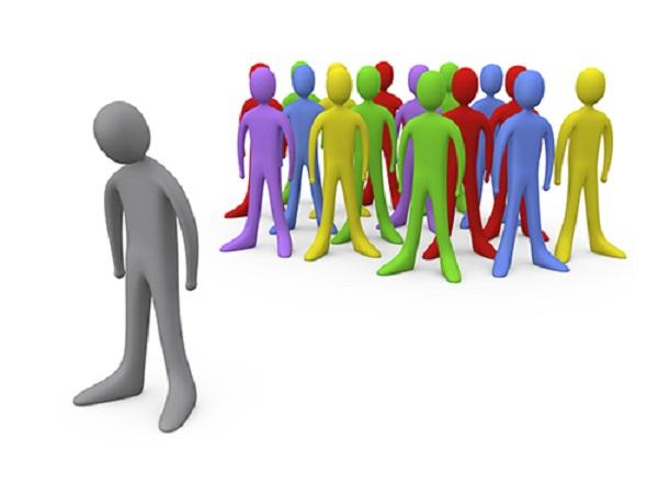 Con người dễ bị ảnh hưởng bởi tâm lý đám đông