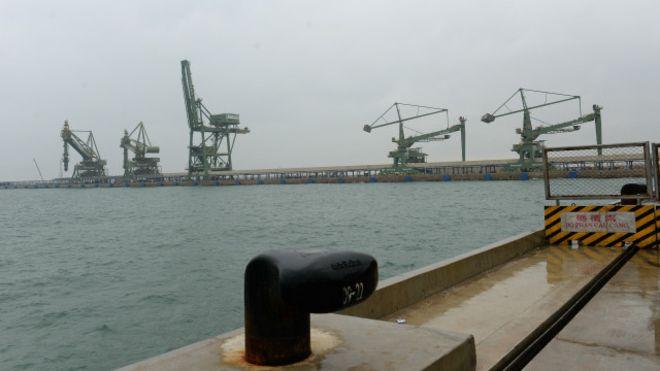 Nhà máy thép của Formosa được cho là đã xả thải ra vùng biển miền Trung