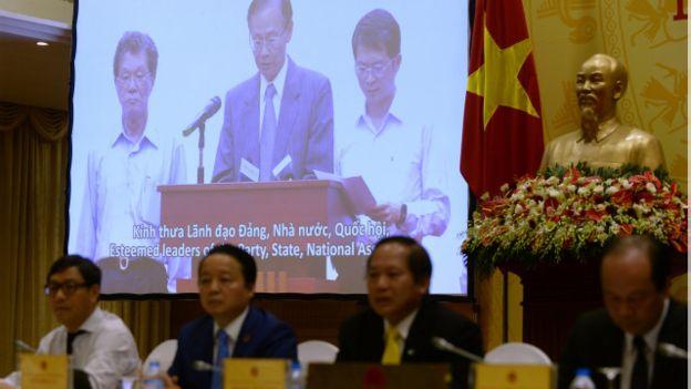 Công ty Formosa trong buổi xin lỗi , có sự tham dự của Bộ Tài nguyên Môi trường Việt Nam