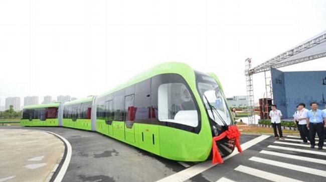 18.10-TEKNOLOGJI-Kina-zbulon-trenin-që-ec-në....-2