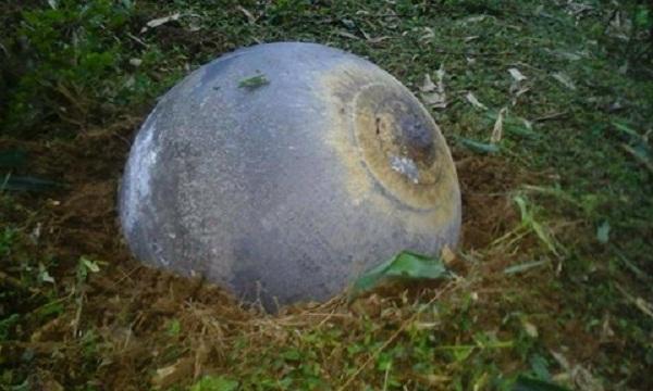 Vật thể hình cầu được người dân phát hiện tại thôn Nà Giàng, xã Tân Mỹ, huyện Chiêm Hóa, tỉnh Tuyên Quang.