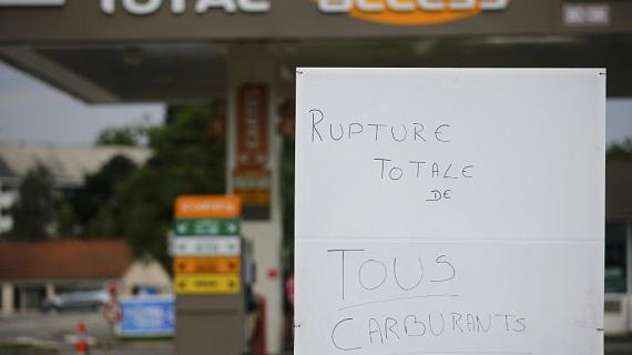2016-05-21t161011z_965912532_lr1ec5l18wof7_rtrmadp_3_france-politics-protests-oil_jues
