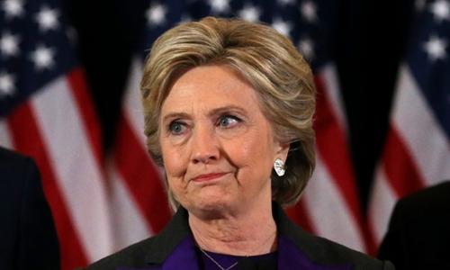 Hillary Clinton ngày 9/11 phát biểu sau khi thất bại trong cuộc đua vào Nhà Trắng. Ảnh: Reuters