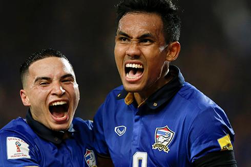 Thái Lan rất khó để giành vế đến VCK World Cup 2018 nhưng việc được chạm trán các đội bóng hàng đầu châu Á ở vòng loại thứ ba là cơ hội tốt để họ chuẩn bị cho AFF Cup 2016. Ảnh: Reuters.