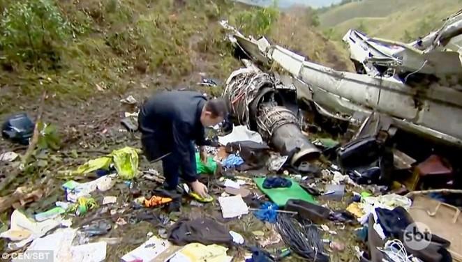 Tin vào Chúa, cầu thủ Brazil sống sót thần kỳ sau vụ rơi máy bay.2