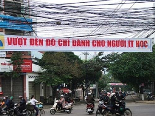 Những câu khẩu hiệu siêu hài hước chỉ có ở Việt Nam.1