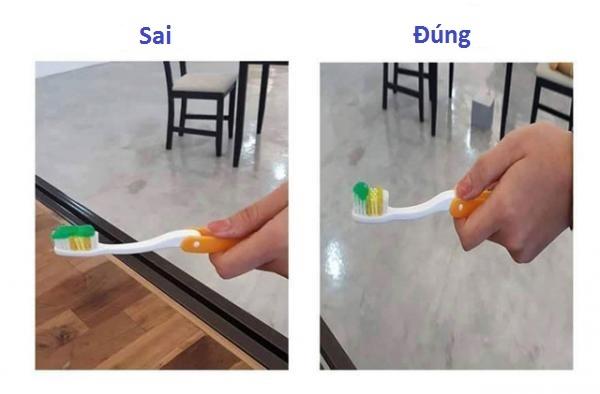 Khi sử dụng kem đánh răng, bạn chỉ cần lấy ra một lượng nhỏ là đủ xài rồi, không cần thiết phải lắp đầy toàn bộ lông bàn chải.