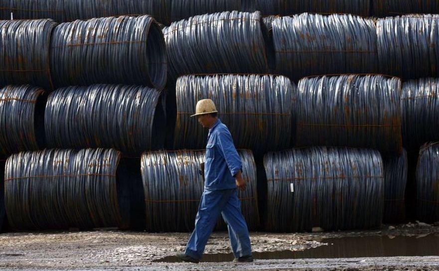 Công nhân Trung Quốc tại một nhà máy thép ở Hợp Phì, tỉnh An Huy,  Trung Quốc.