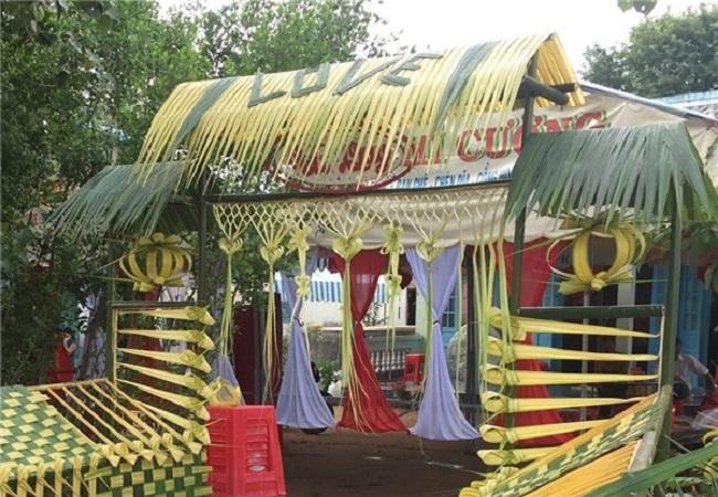"""Ngỡ ngàng với những cổng lá dừa """"chất phát ngất"""" của đám cưới Việt.4"""