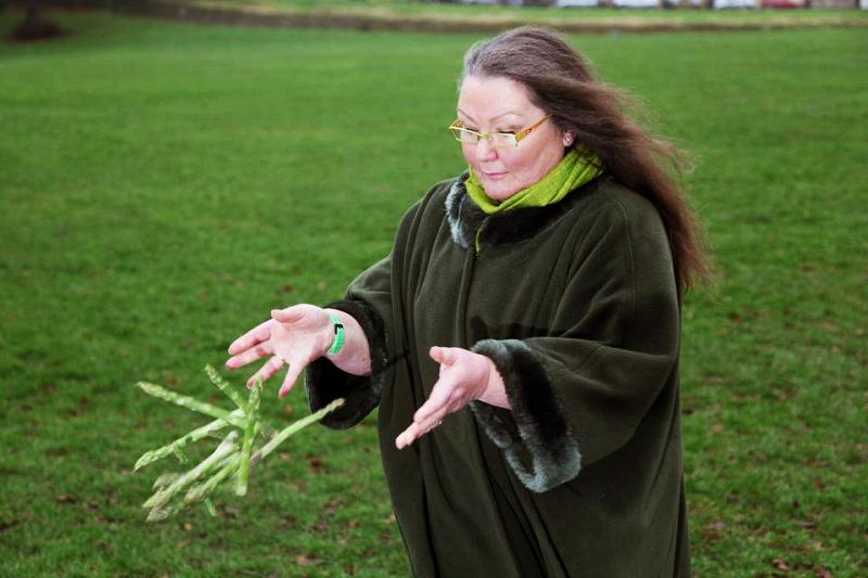 Jemima Packington, người phụ nữ dùng măng tây để dự đoán tương lai. (Ảnh: Internet)