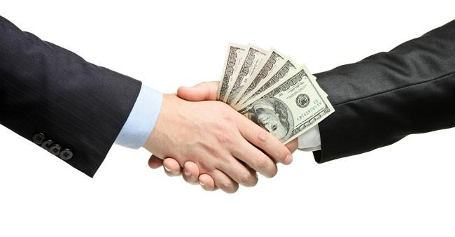 Tiền bạc không phải tự nhiên mà có. Hãy trân trọng công sức của mình. (Ảnh: Internet)