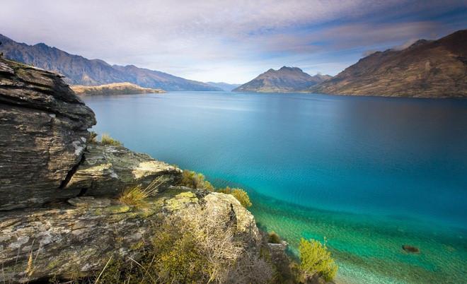 Bí ẩn thế giới, hồ không đáy Goluboe