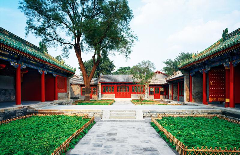 Khuôn viên có phủ đệ và hoa viên với quy mô hết sức hoành tráng, tổng diện tích lên tới 60.000 m², trong đó phủ đệ chiếm 32.000m².(Ảnh: News China)