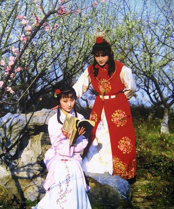 Một cảnh quay trong bộ phim Hồng Lâu Mộng năm 1987 của đạo diễn Vương Phù Lâm
